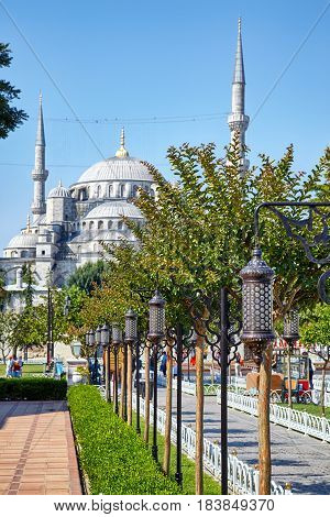 Blue Mosque (sultanahmet Camii) In Istanbul.