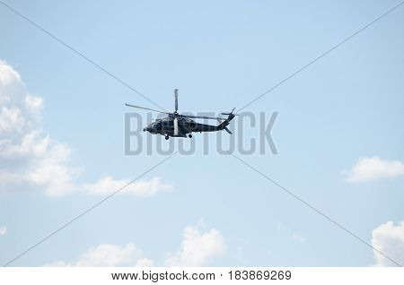 Black hawk helicopter rescue team turn left