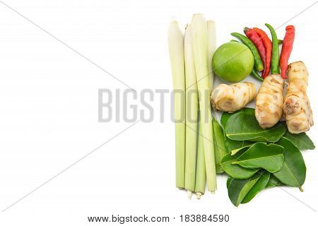 Closeup Of Thai Ingredients, Galangal, Lime, Lemongrass,lemon, Chilli And Lime Leaves For Tom Yum Fo