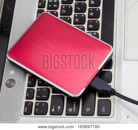 External HDD over notebook keyboard selective focus
