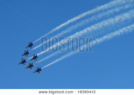 SAN FRANCISCO, CA - OCT 6: US Marine Corps Blue Angels acrobatic squadron in action on F18 Hornet jet fighters during Sunday airshow on October 6, 2007 in San Francisco.