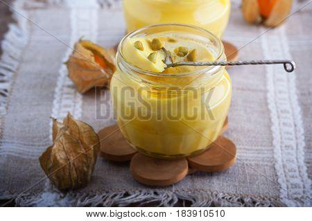 Panna cotta of almond milk with saffron.