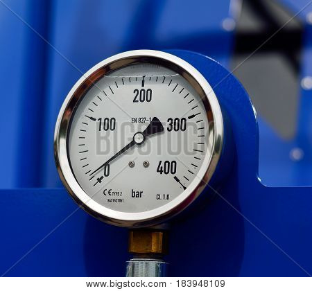 Pressure gaugeair duct close up pressure gauge