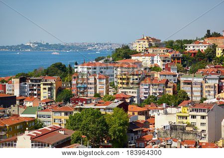 A Residential Houses Lockated On The Shore Of The Bosphorus, Istanbul