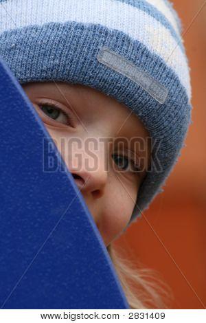 Hiding Girl
