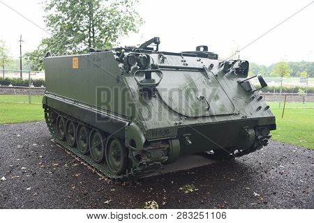 M113a2 Apc Personnel Carrier On Display At The First Division Museum, Cantigny Park, Wheaton, Il Sep