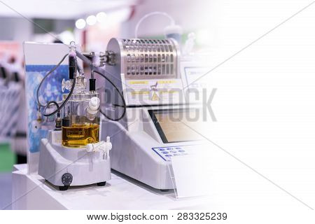 Coluometric Titration Device Of Lab For Analysis Electrolysis Reaction To Find Concentration Of Butt