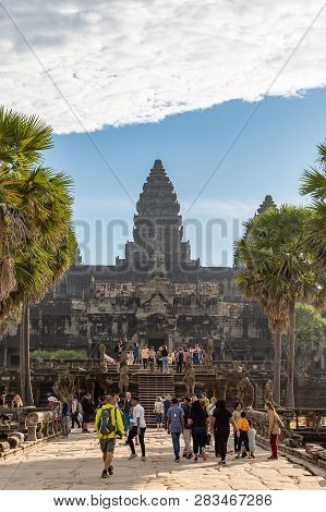 Ankor Wat, Siem Reap, Cambodia - 01.03.2018; Tourists Visit The Temple Of Angkor Wat