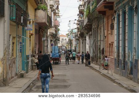 La Havana, Cuba, January 08, 2017: Afrocaribbean And Rasta Street Culture In Callejon De Hamel In La