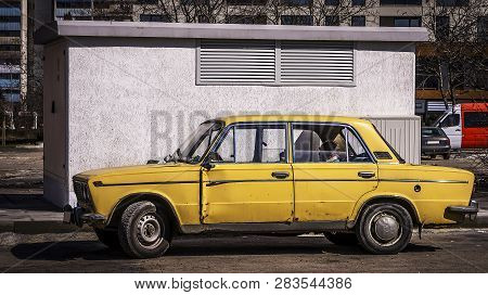 Old Russian Car Shot In Street Photography In Burgas / Bulgaria / 03.09.2018 / Old Rusty And Unsuppo