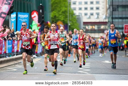 London, Uk - April 23, 2017: Lots Of People Running In London Marathon. People Cheering The Sportsme