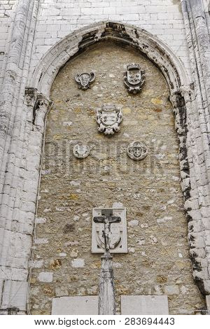 Lisbon, Portugal - July 19 2018: Carmo Convent Artifacts. Main Nave Walls Adorned With Sculptured De