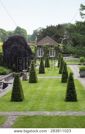 Wentworth, Uk - June 1, 2018. Gardens Set Within The Grounds Of Wentworth Woodhouse. Rotherham, Sout