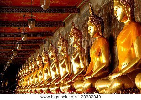 Gold Group Buddha