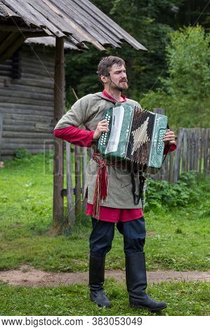 Torzhok, Russia -august 15, 2020: Historical Interpreters Reconstruction In European Medieval Costum