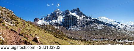 Ausangate Trek Trekking Trail, Ausangate Circuit, Cordillera Vilcanota, Cuzco Region, Peru, Peruvian