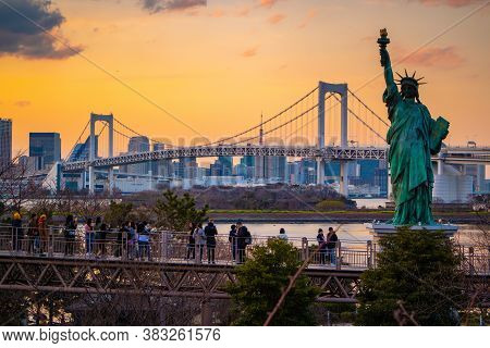 Tokyo / Japan - March 15, 2019: Small-scale Copy Of The Statue Of Liberty At Odaiba, Tokyo With View
