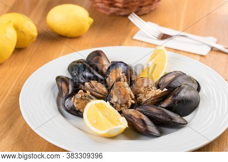 Turkish Delicious Rice Stuffed Mussels Serving With Lemon. Turkish Midye Dolma