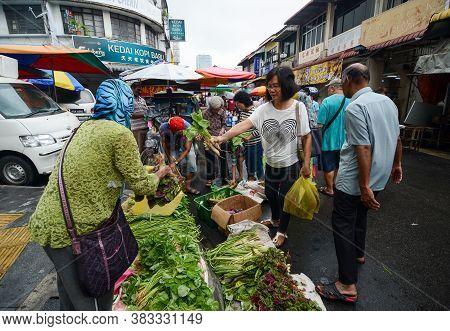 Georgetown, Penang/malaysia - Jun 17 2016: Consumerism At The Wet Market At Jalan Kuala Kangsar.