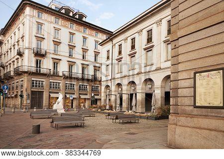 Old Sign, Ad Teatro Alla Scala. Milan Italy. 22.08.2020