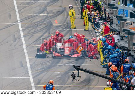 August 29, 2020 - Madison, Illinois, USA: MARCUS ERICSSON (8) of Kumla, Sweden  brings his car in for service during the Bommarito Automotive Group 500 at World Wide Technology Raceway