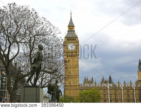 London, Great Britain -may 22, 2016: Statues To Jan Smuts, David Lloyd George And Winston Churchill