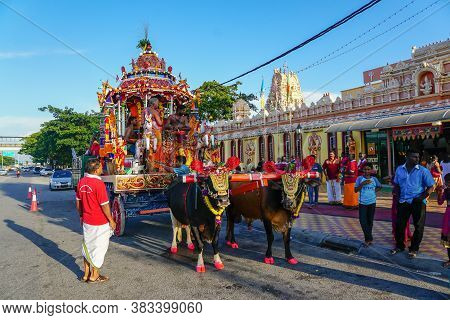 Butterworth, Penang/malaysia - Aug 03 2017: Chariot Procession At Jalan Baru Sri Muniswarar Temple.