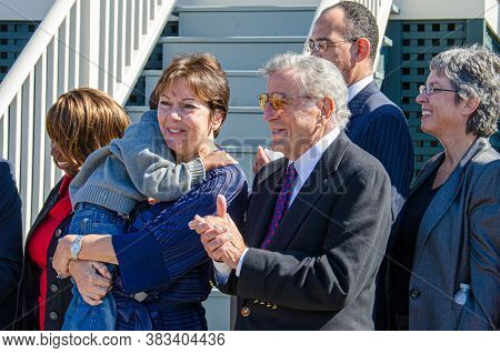 New Orleans, La/usa - 11/11/2011: Singer Tony Bennett At Ceremony To Hand Over Keys To A Project Hom