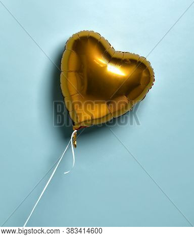 Metallic Foil Single Gold Heart Balloon Baloon Object For Birthday Party Or Valentines Day On Pastel
