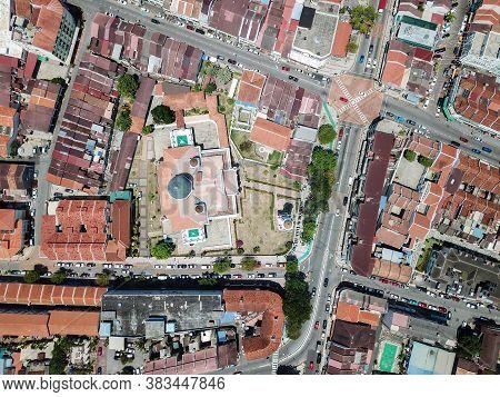 Georgetown, Penang/malaysia - Feb 28 2020: Kapitan Keling Mosque With Neighbour Heritage House.