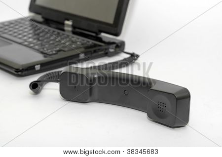 Handset connected to the PC