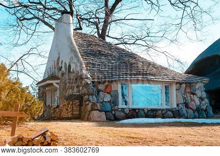 Charlevoix, Mi /usa - March 2nd 2018:  A View Of The Half House An Earl Young Mushroom House In Char
