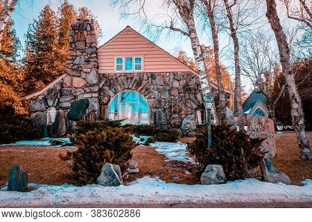 Charlevoix, Mi /usa - March 2nd 2018:  Another On Of Earl Youngs Mushroom House In Charlevoix Michig