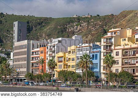 Santa Cruz De La Palma, Spain - November 12, 2019: Seaside Boulevard Avenida Maritima With The Build