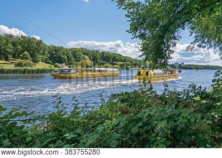 Potsdam, Germany -  July 12, 2020: Tiefer See (tiefe Lake) With The Potsdam Water Taxi, A Scheduled
