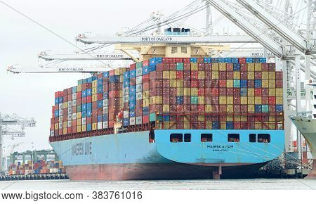 Oakland, Ca - July 31, 2020: Cargo Ship Maersk Altair Loading At The Port Of Oakland. Maerskis The