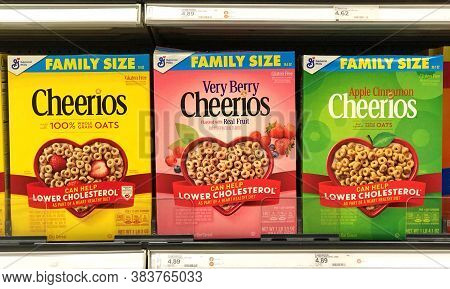 Alameda, Ca - Sept 2, 2020: Grocery Store Shelf With General Mills Brand Cereal, Cheerios. Regular,