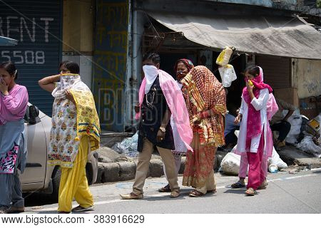 Dehradun, Uttarakhand/india- August 15 2020:  A Newly Married Couple In Covid 19 Pandemic, Covering