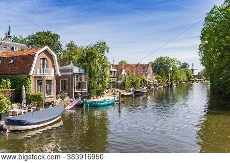 Loenen Aan De Vecht, Netherlands - May 21, 2020: Old Houses On The River Vecht In Loenen, Netherland