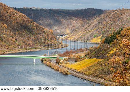 Mosele River Wineyard Germany Rhineland Palantino Beautiful Orange And Red Autumn Forest And Wine Pl