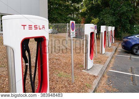 Bordeaux , Aquitaine / France - 09 01 2020 : Tesla Supercharger Car Line Of Station Charger Power Su