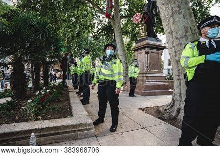 London / Uk - 2020.09.05: Police Officers On Duty At Extinction Rebellion Protest At Parliament Squa