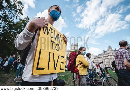 London / Uk - 2020.09.05: People With We Want To Live Banners At Extinction Rebellion Protest At Par