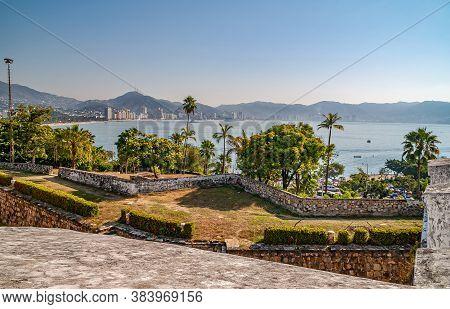 Acapulco, Mexico - November 25, 2008: Ramparts Of Fort, Fuerte De San Diego, Aka Museo Historico, Lo