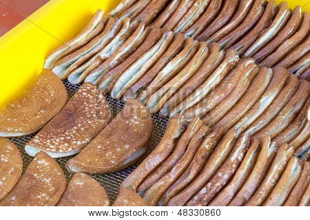 Kueh Apom Balik With Banana Fillings
