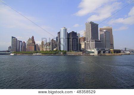 Manhattan New York-Blick von der Fähre