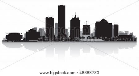 Milwaukee City Skyline Silhouette