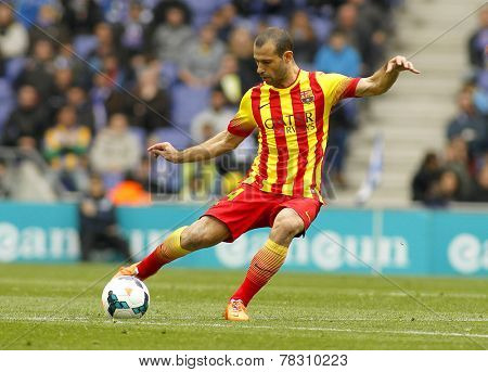 BARCELONA - MARCH, 29: Javier Mascherano of FC Barcelona during the Spanish League match between Espanyol and FC Barcelona at the Estadi Cornella on March 29, 2014 in Barcelona, Spain