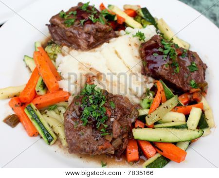 Tender beef short ribs