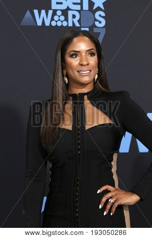 LOS ANGELES - JUN 25:  Kim Lewis at the BET Awards 2017 at the Microsoft Theater on June 25, 2017 in Los Angeles, CA